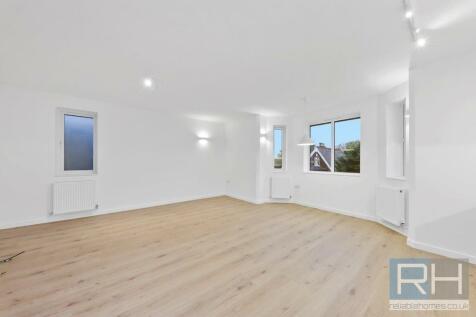 Dollis Road, Finchley, N3. 2 bedroom apartment