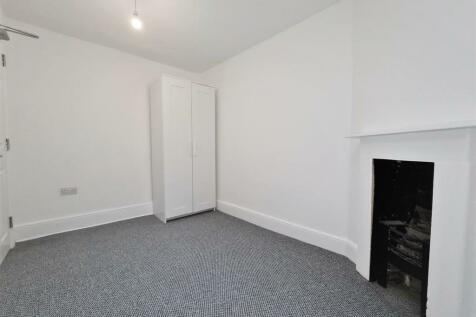 High Street, Cheltenham, GL50. 1 bedroom house share