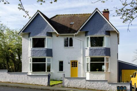 Pen y Bryn, Grosvenor Road, Llandrindod Wells, LD1 5NA. 6 bedroom detached house