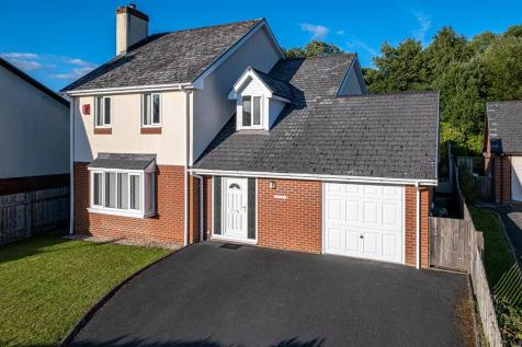 Gorse Farm Estate, Llandrindod Wells, LD1 5SH. 4 bedroom detached house