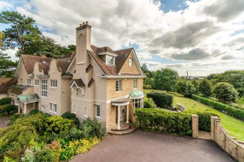 Newtown Road, SO31. 4 bedroom character property