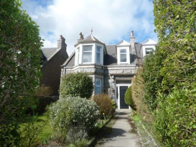 280 Broomhill Road, Aberdeen, AB10 7LQ. 4 bedroom semi-detached house