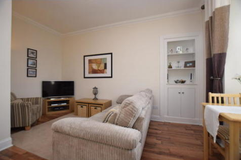 South Inch Terrace, Perth, PH2. 1 bedroom flat