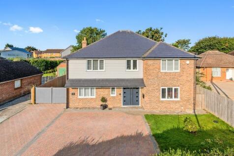 Canterbury Road, Hawkinge, Kent. 5 bedroom detached house