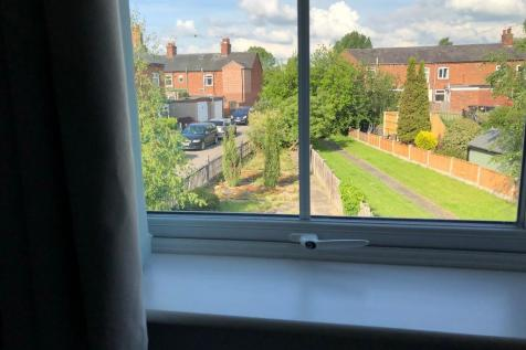 Hurleston Buildings, Nantwich, Cheshire, CW5. 2 bedroom flat