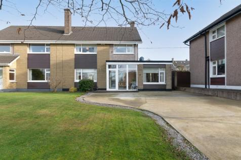 25 Melbourn Road, Bishopstown, Cork, T12DHX4. 4 bedroom semi-detached house for sale