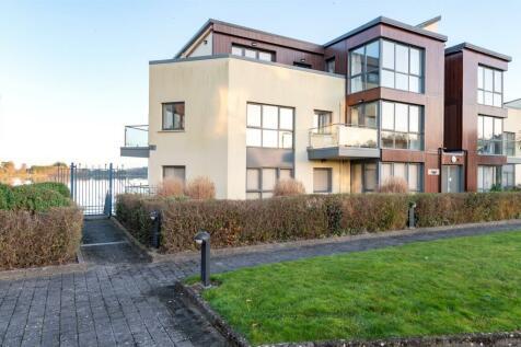 49 The Genoa, Hartys Quay, Rochestown, Cork. 2 bedroom apartment for sale