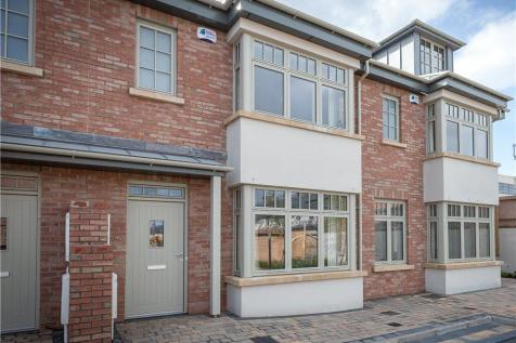 Four Bed End Of Terrace, Hazelbrook Court, Churchtown, Dublin 14. 4 bedroom end of terrace house for sale
