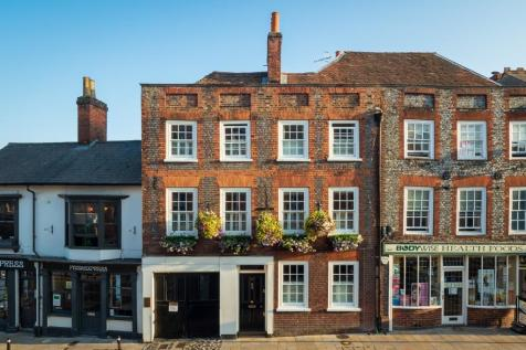 37 Market Place, Henley-On-Thames, Oxfordshire, RG9 2AA. 5 bedroom town house for sale