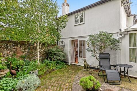 1 Bell Lane, Henley-On-Thames, Oxfordshire, RG9 2HP. 3 bedroom cottage for sale