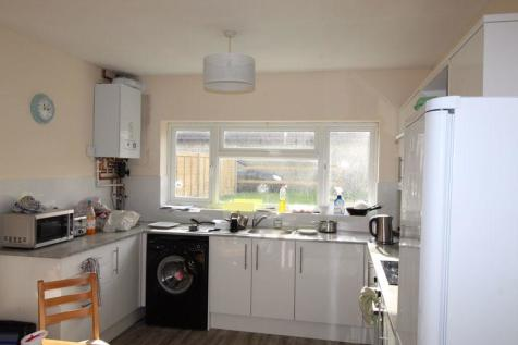 **NEW KITCHEN & DECORATION** STUDENT HOUSE AVAILABLE 1ST SEPTEMBER 2021. 10 bedroom detached house