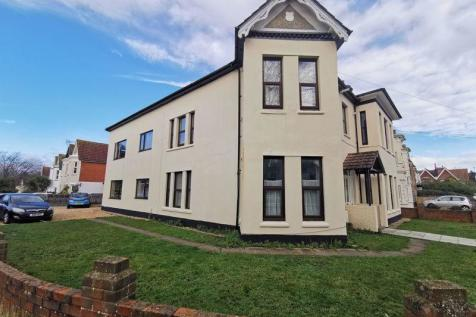 Great 3 Bedroom Maisonette Available Now - 10 Gordon Road, Bournemouth. 3 bedroom maisonette