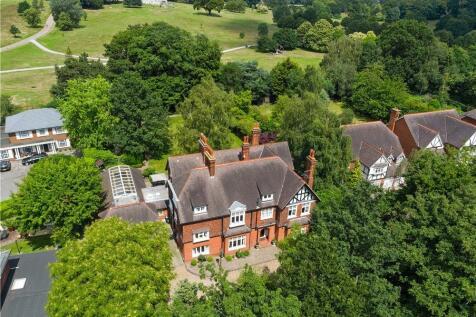 Beckenham Place Park, Beckenham BR3. 9 bedroom detached house