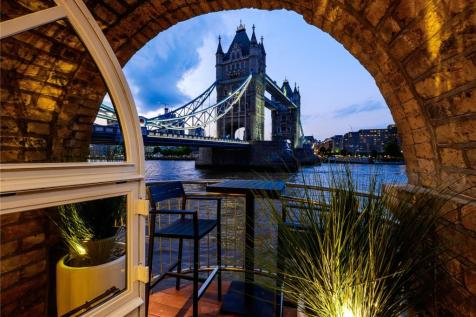 The Riverside Apartment, Anchor Brewhouse, 50 Shad Thames, London, SE1. 3 bedroom apartment for sale
