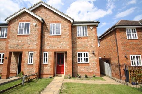 Orchard Grove, Chalfont St Peter, SL9. 3 bedroom semi-detached house