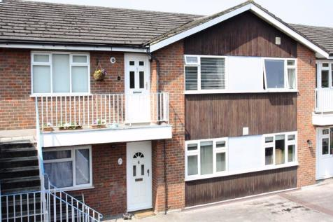 St Peters Court, High Street, Chalfont St Peter, SL9. 2 bedroom apartment