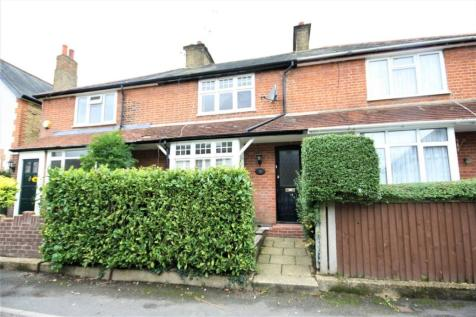 Lansdown Road, Chalfont St Peter, SL9. 2 bedroom terraced house