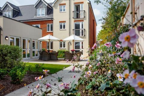 Beconsfield Road , Farnham Common, SL2. 2 bedroom apartment