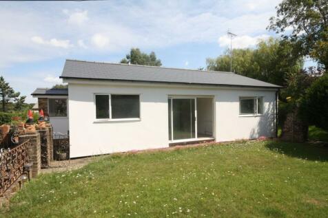 Seven Hills Road, IVER, SL0. 2 bedroom bungalow