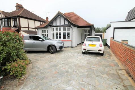 The Avenue, Romford, RM1. 3 bedroom bungalow