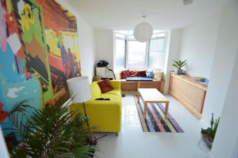 Malvern Villas, Gilesgate DH1. 4 bedroom house
