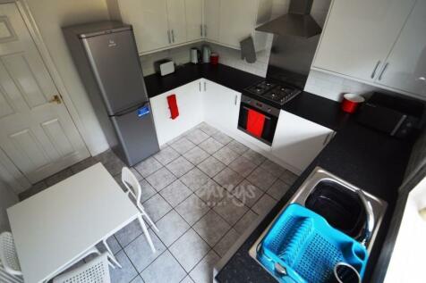 Bradford Crescent, Durham, DH1. 4 bedroom house