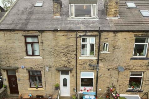 4 Moorfield Street, Halifax, HX1 3ER. 3 bedroom terraced house for sale