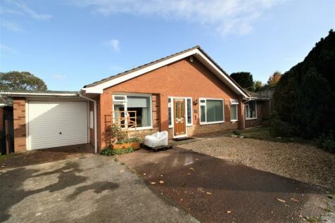 Parkside Road. 3 bedroom detached house for sale