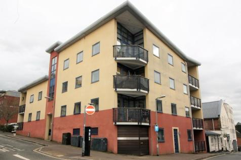 Smythen Street, Exeter. 3 bedroom apartment