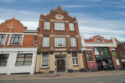 Bartholomew Street West, Exeter. 6 bedroom flat
