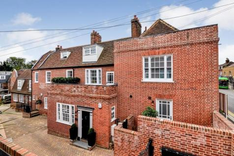 High Street, Billericay, Essex, CM12. 3 bedroom town house for sale