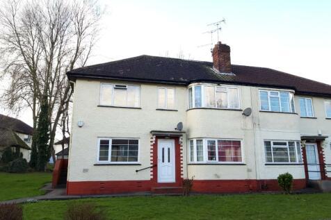 Sandringham Gardens, Leeds, LS17. 2 bedroom flat