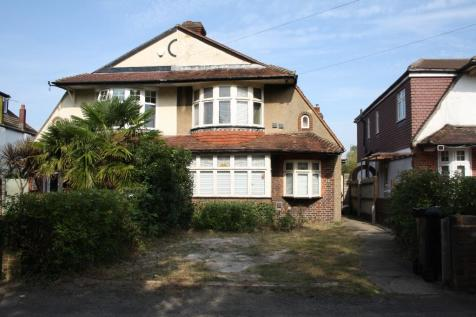 Ewell By Pass, Ewell, Surrey, KT17. 3 bedroom semi-detached house