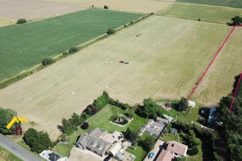 Old Laithe Farm, Scunthorpe Road, Thorne, DN8 5SA. 8 bedroom farm house