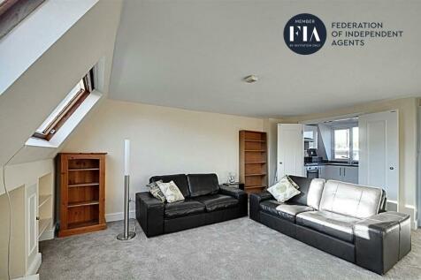 Greyhound Road, Hammersmith. 2 bedroom flat