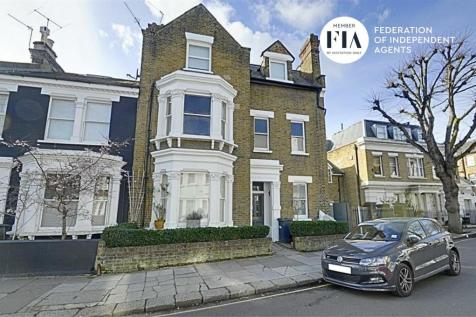 Duke Road, Chiswick. 2 bedroom flat