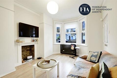 Darwin Road, Ealing. 1 bedroom flat