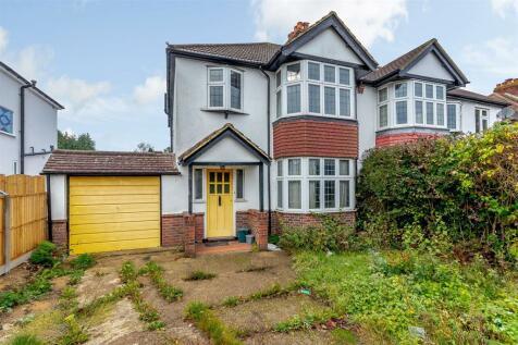 Wilmot Way, Banstead. 3 bedroom semi-detached house for sale