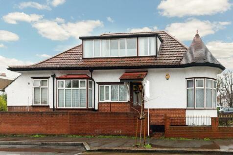 Kings Ave , New Malden, KT3. 6 bedroom detached house for sale