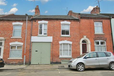 Cloutsham Street, The Mounts, Northampton. 4 bedroom terraced house for sale