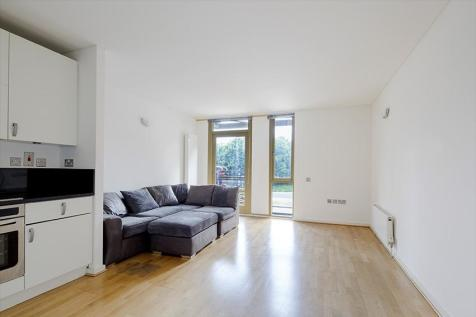 Becquerel Court, West Parkside, Greenwich SE10. 1 bedroom apartment