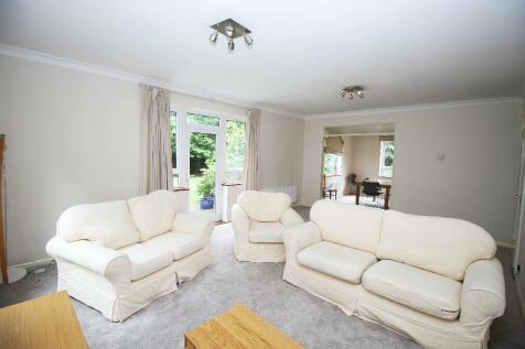Graham Lodge, Graham Road, Hendon, NW4. 3 bedroom apartment