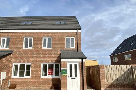 Helm Close, Blyth, Northumberland, NE24. 3 bedroom end of terrace house