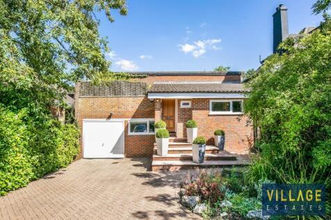Deacons Hill Road, Elstree, Borehamwood. 4 bedroom detached house