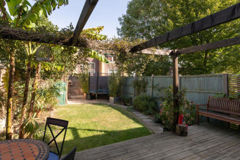Dunoon Road, Honor Oak, SE23. 4 bedroom town house for sale