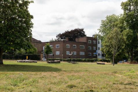 Peckham Rye, East Dulwich, SE22. 4 bedroom flat