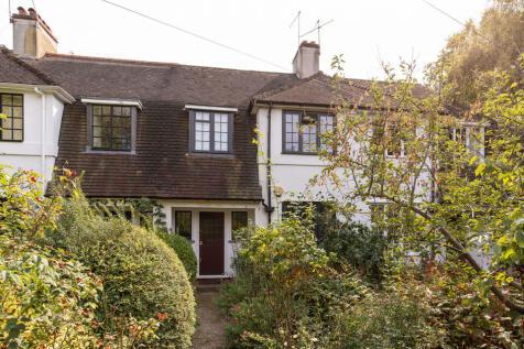 Love Walk, Camberwell, SE5. 4 bedroom terraced house