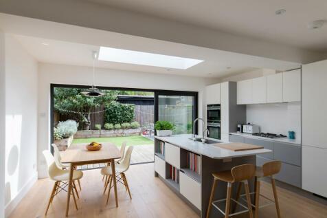 Maldon Close, Camberwell, SE5. 3 bedroom semi-detached house