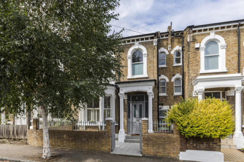 Bushey Hill Road, Camberwell, SE5. 4 bedroom terraced house