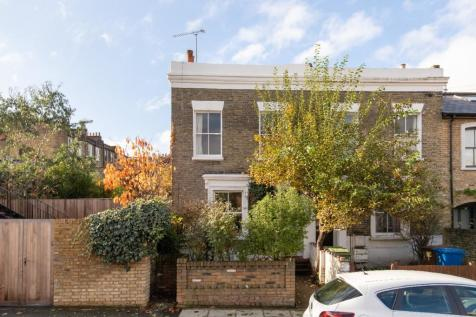 Denman Road, Peckham Rye, SE15. 2 bedroom semi-detached house for sale
